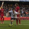 El Valencia sacó la garra para ganar con uno menos ante el Sevilla/Isaac Ferrera