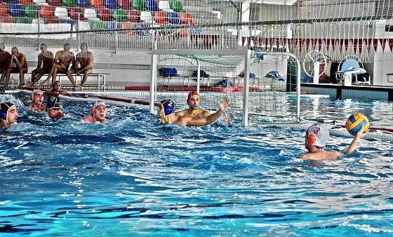 El waterpolo vuelve a la piscina de Nazaret de la mano del Turia/waterpoloturia