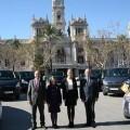 Las Falleras Mayores de Valencia con el responsable de Automóviles Montalt y el edil de Fiestas, Francisco Lledó/ayto valencia