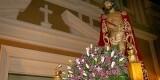 Imagen del Ecce-Homo portada a hombros en la procesión del Martes Santo/eos