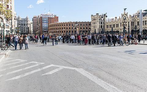 Los estudiantes cortaron la calle Xátiva/Isaac Ferrera