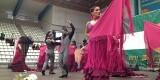 Los bailes entusiasmaron al publico