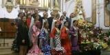 La Reina de la Fecac y damas y otras reinas de casas en el acto celebrado en el barrio de la Fonteta de Valencia a la Virgen del Rocío/fecacv