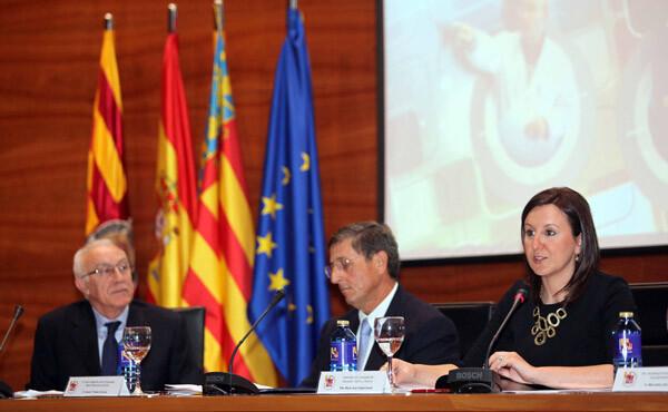 Mª José Catalá en la Universidad Miguel Hernández
