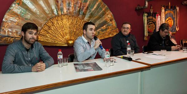 Los representantes de los medios sobre pirotecnia, con Paco Varea como moderador