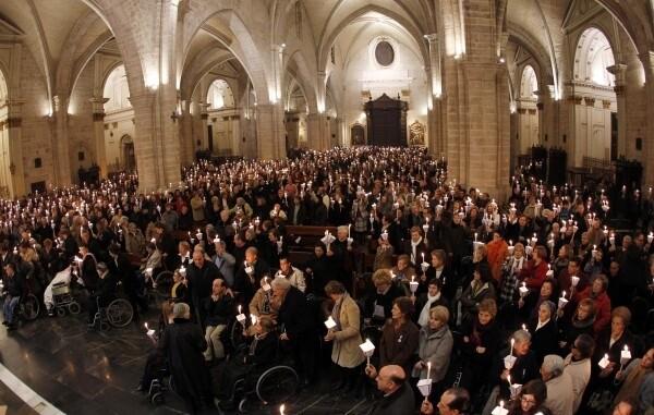 Misa de las antorchas en la Catedral de Valencia, febrero de 2012