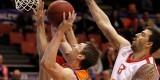 Lischuck entrando a canasta. Foto: Valencia Basket
