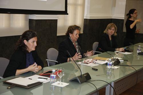 La alcaldesa Barberá en su primera aparición pública tras la muerte de su madre  presenta la web accesible con las ediles Simón y Albert/ayto valencia