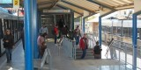 Zona de paso de viajeros en trasbordo en la estación El Empalme