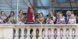 José Caballer levanta el brazo para saludar al público que permaneció en la plaza aplaudiéndole/Isaac Ferrera