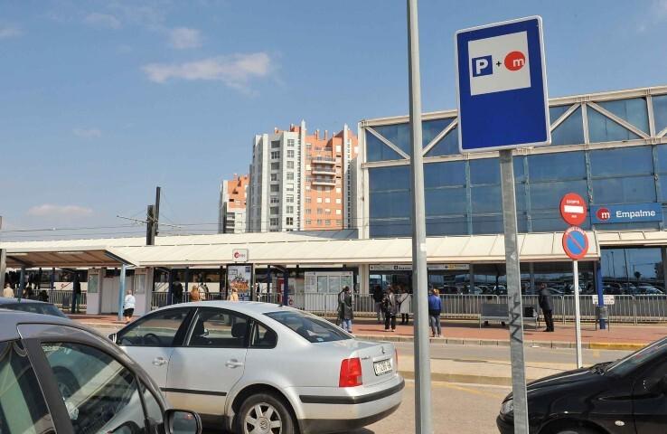 Estación Empalme parking