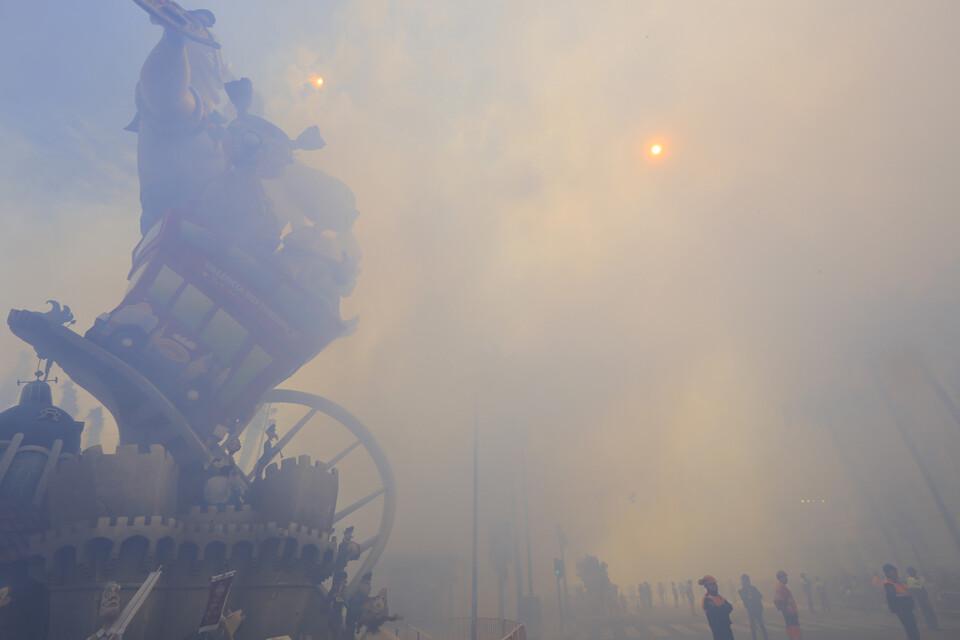 Otra imagen de la mascletà del día 16, a cargo de Europlà. Foto: Manuel Molines