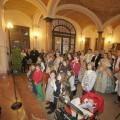 El arzobispo dirige unas palabras a los falleros de Malvarrosa y Dr. Oloriz ganadores de los premios Paraula/j.peiró