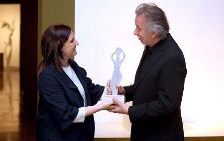 La consellera Maria JosŽ Catalˆ lliurˆ el Premi Internacional Ju