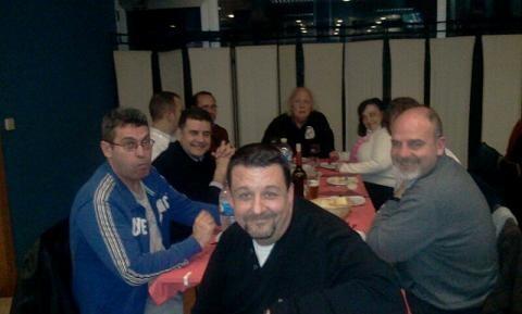 La cena tuvo lugar en un gran ambiente festivo prólogo de las fallas/vlcciudad
