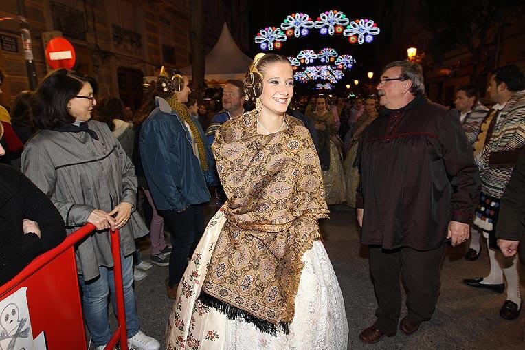 La Fallera Mayor de Valencia  visitó Almirante Cadarso para presenciar la Parada Mora