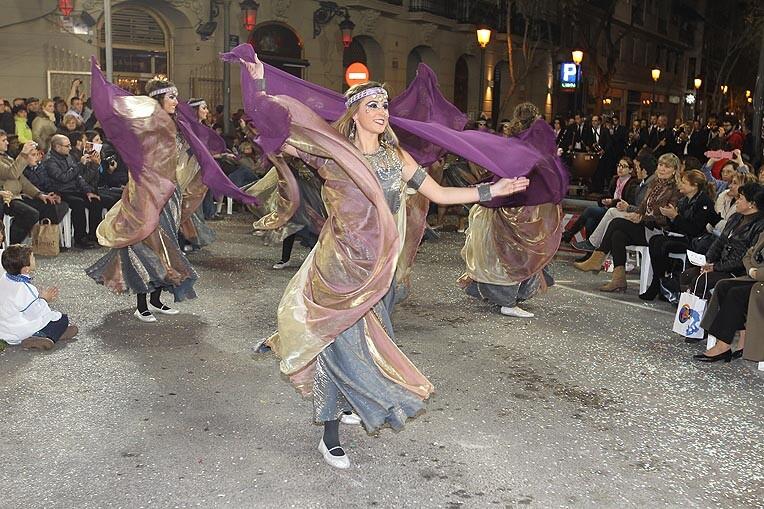 Bailarinas moras en Almirante Cadarso. Foto: Fallas.com