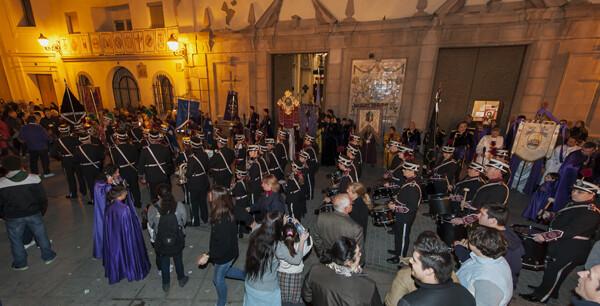 Banda de la Retreta preparada para la salida de  la plaza de Ntra. Sra. del Rosario. Foto: Isaac Ferrera