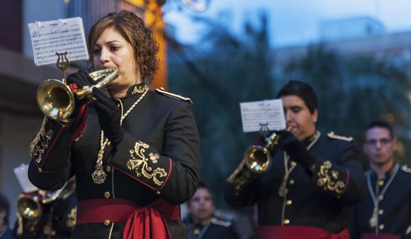 Una de las bandas de cornetas y tambores participantes en el acto/Isaac Ferrera