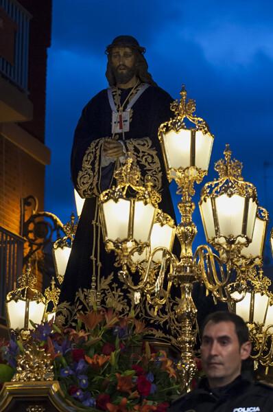 El Paso de Jesús de Medinaceli del Grao salió escoltado por GOES de la Policía Local/Isaac Ferrera