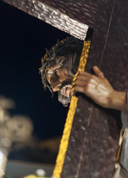 Paso de Jesús con la Cruz en su camino del Calvario/Isaac Ferrera