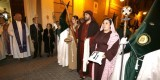 Dos vestas hacen la guardia a un grupo de personajes bíblicos/m.molines