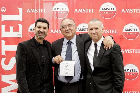 Vicente Caballer, el gran maestro de la pirotecnia, junto al músico Cervero y Mataix, de Amstel/Amstel