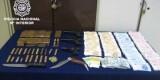 Mateiral incautado en la operación contra el tráfico de drogas en el Cabanyal.
