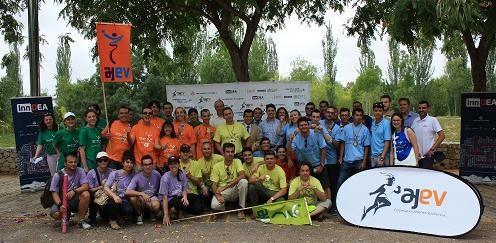 Los jóvenes empresarios en unas olimpiadas/ajev