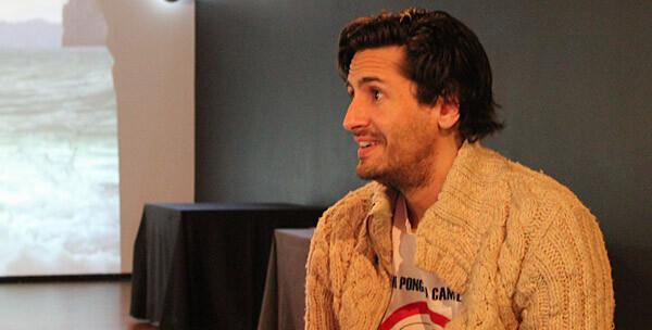 Juan Diego Botto, en un momento de la entrevista. Foto: Javier Furió