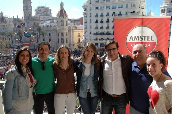 De izquierda a derecha: Alharilla Casado, Antonio Contreras (Entrenador), Maider Castillo, Ruth García, Paco Ahedo (Responsable de Eventos Mediterráneo de HEINEKEN España), Manuel Almécija (Delegado del Levante UD) y Ana Buceta.