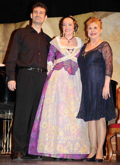María Luisa Merlo junto a Emilia Onrubia y José Madrid Giordano.  Foto: Marian Valenciano