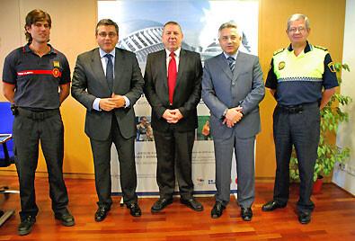 El concejal de la Policía Local, segundo por la derecha, en un acto público/ayto valencia