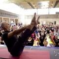 Uno de los grandes especialistas de Pilates dirigiendo una clase práctica en el pasado Forum/anep