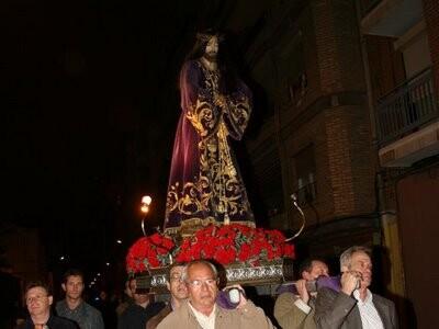 El Nazareno de los Pretorianos portado a hombros en su barrio