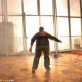 José Manuel Crespo controlando el terremoto de una mascletà hecha contra el cáncer/pirofan