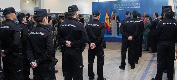 Un momento de la presentación de los 21 nuevos agentes para la provincia y ciudad de Valencia/gva