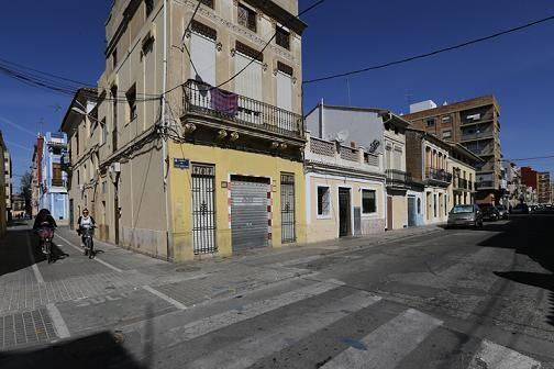 Una calle del barrio del Cabanyal de los Poblados Marítimos objeto de la muestra/manuel molines