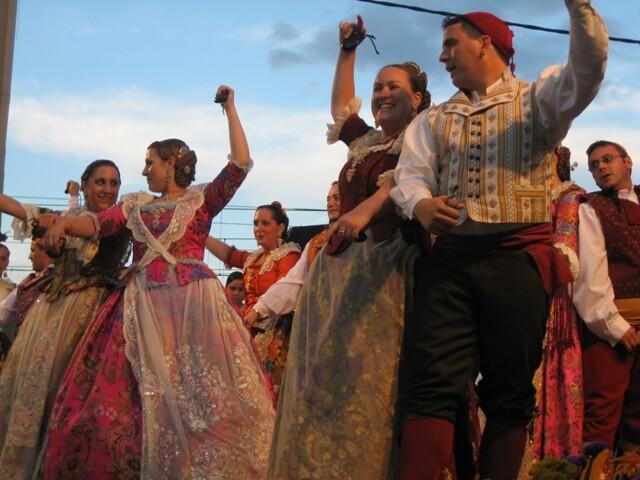 Dançà en honor a la Verge dels Desamparats. Foto: Ciberfallas
