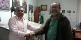 El presidente de Regne y el artista Julio Monterrubio rubrican el acuerdo/regne