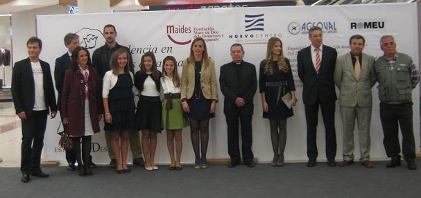 Las Fallera Mayores de Valencia y otras personalidades no se perdieron el acto/nuevo centro