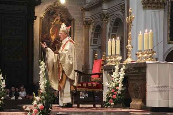 Monseñor Osoro en otro momento de la Misa de la Resurrección del Señor. Foto: J. Peiró/AVAN