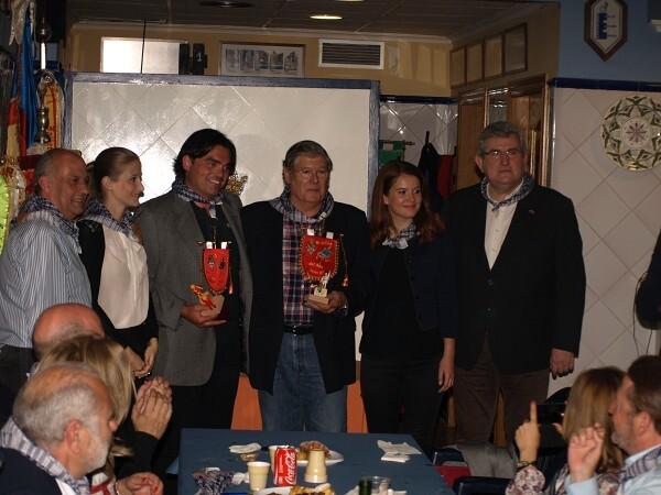 Pedro Santaeulalia y Gori con los palets que recibieron en Exposición en el momento de la entrega/Artur Part