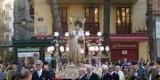 La procesión a su paso por la plaza de la Reina encauzando la de La Paz/fiestassancristóbal