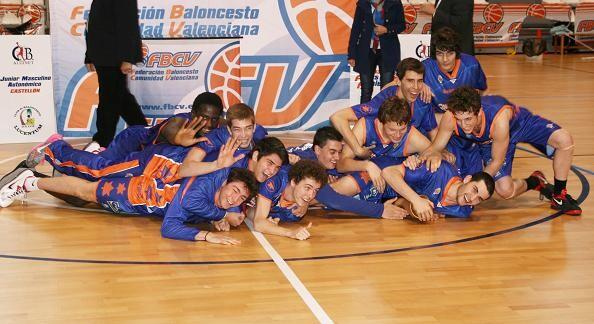 Los jóvenes del Valencia Basket han conseguido llevarse el campeonato autonómico/vlcbasket
