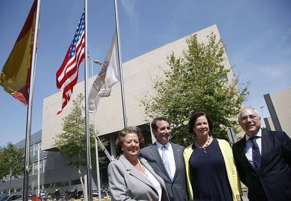La alcaldesa, el embajador, su esposa y el rector por la mañana en la Politécnica/ayto vlc