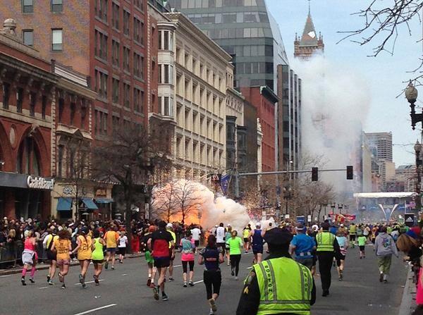 Un momento de la explosión ocurrida en Bostón