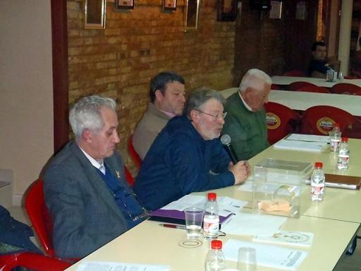 El presidente de Amics del Corpus, Tony Rosell, en una reunión del colectivo/vlcciudad