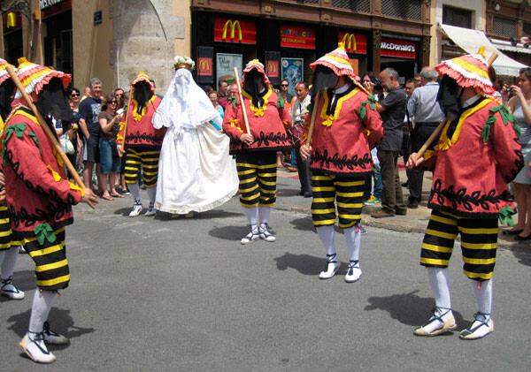 El 'Ball de la Moma', una de las piezas tradicionales de la procesión del Corpus Christi