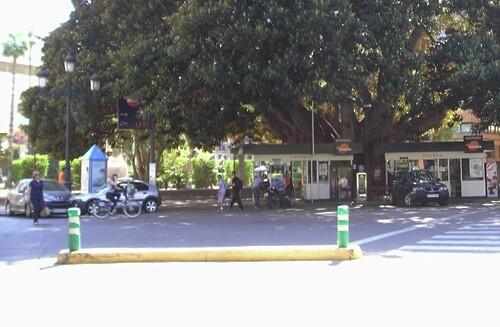 Estación de servicio en El Parterre que el ayuntamiento negocia retirar y el PSPV denuncia retrasos en su ejecución/vlcciudad
